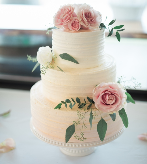 Romantic vintage tiered wedding cake